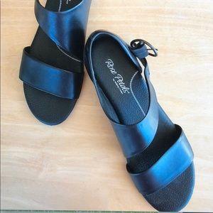 Rose Petal sandals size 9 narrow
